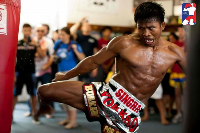 Buakaw MMA-kehiin?