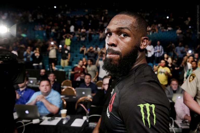 UFC 200: Jones kärysi, Lesnar vs. Hunt uusi pääottelu
